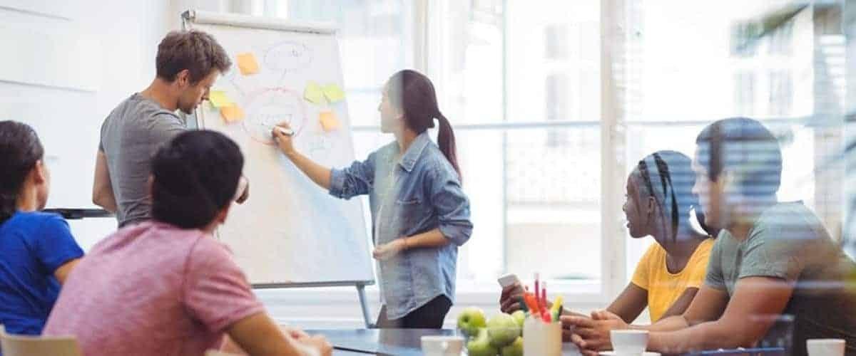 Meeting aziendale: vocabolario vs. realtà dei fatti