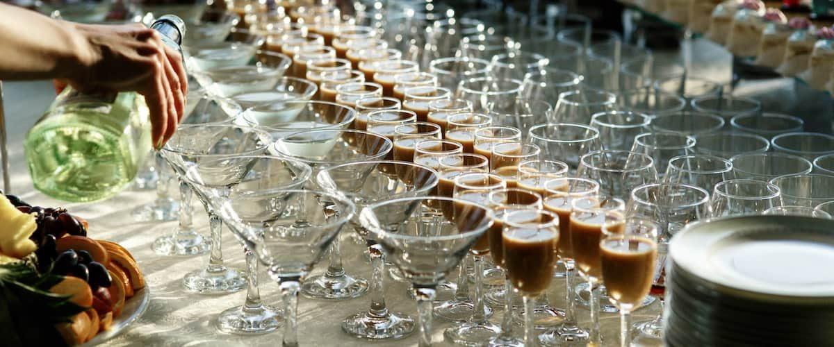 Come organizzare un cocktail party