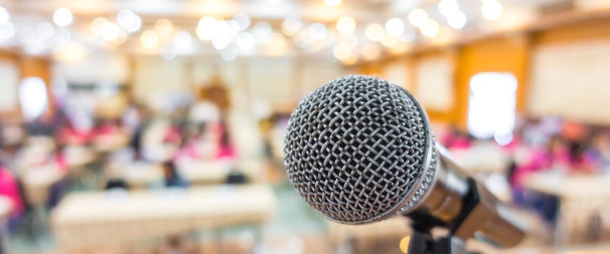 invitare-speaker-ad-un-congresso